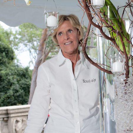 Vivianne R. Levesque