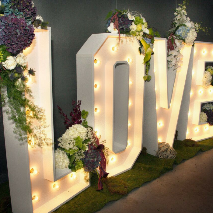 wedding_flowers_love_in_lights_flouer_specialty_floral_events