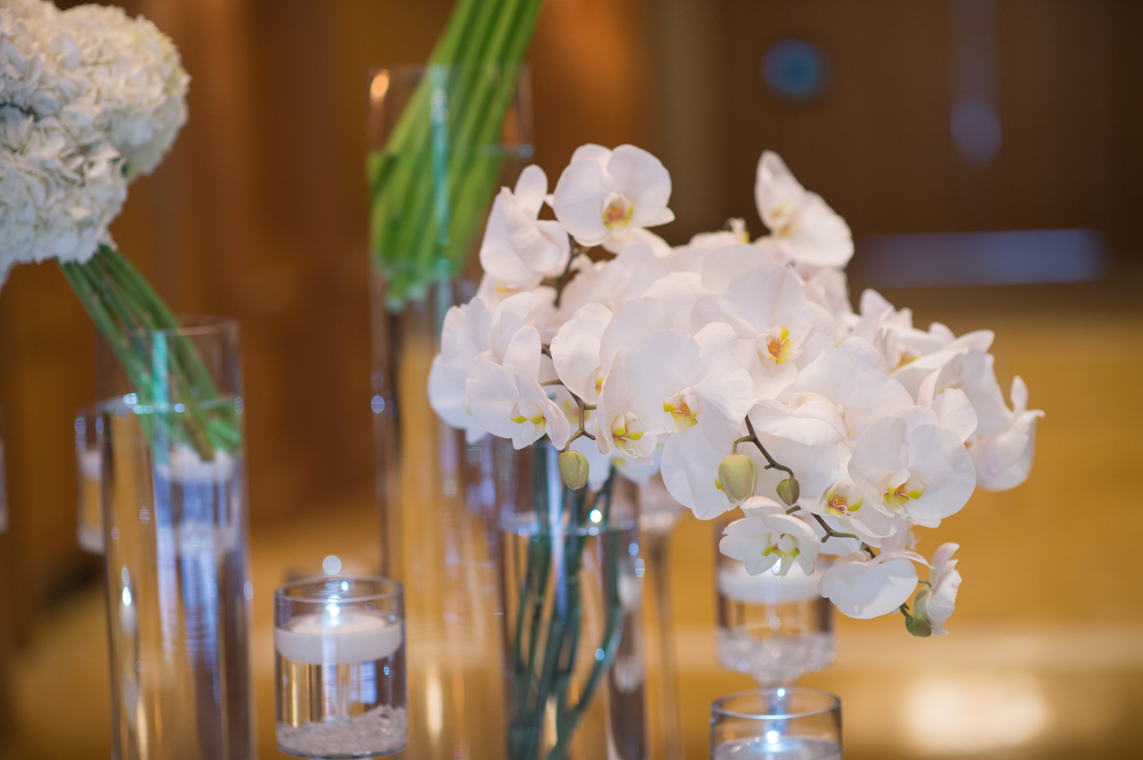 flou(-e)r Specialty Floral Events Modern Wedding Centerpiece Style Jenny Moloney Photography