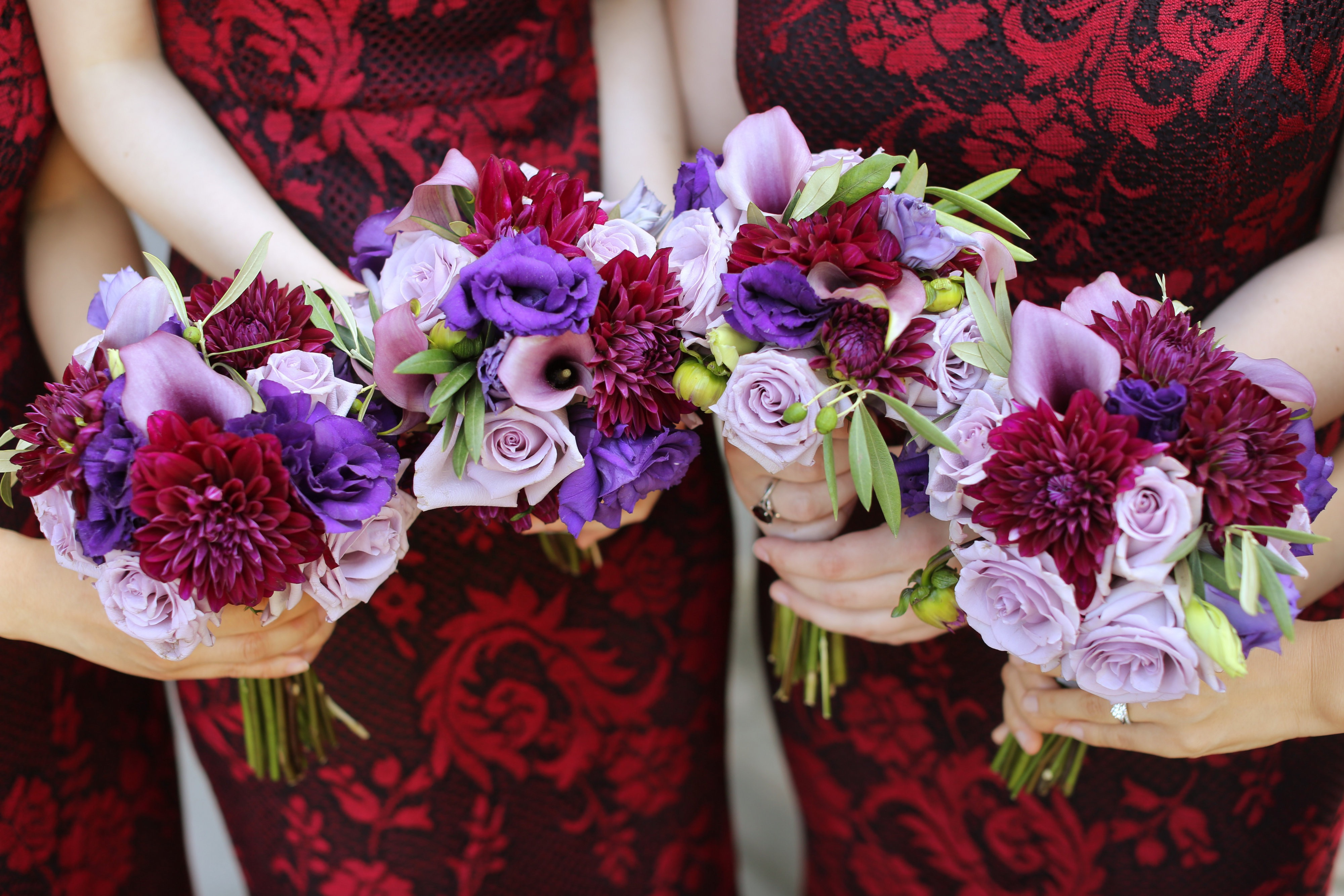 flou(-)er-specialty-floral-events-dahlia-bridesmaid-bouquets-boston-designer