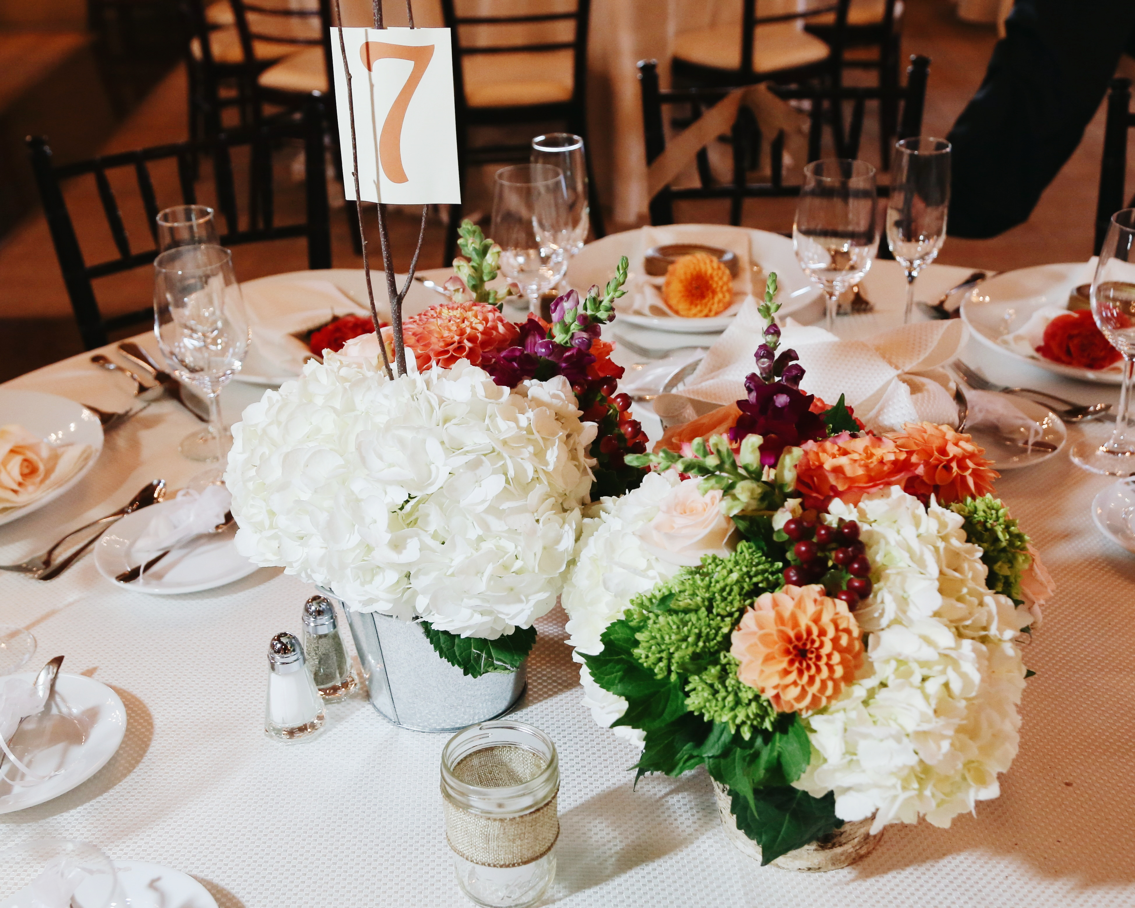 flouer_specialtly_floral-events-wedding-flowers-dahlia-table-decor