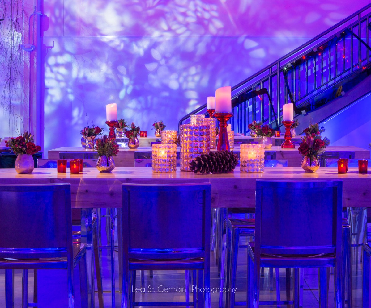 flou(-e)r-specialty-floral-events-candlelight-corporate-event_Lea_St_Germain_Photography