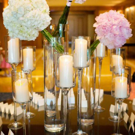 flou(-e)r_specialty_floral_events_PersonKillian_Boston_Wedding_Pillar_candles