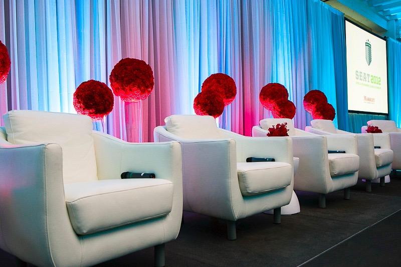 flou(-e)r_specialty_floral_events_modern_event_design