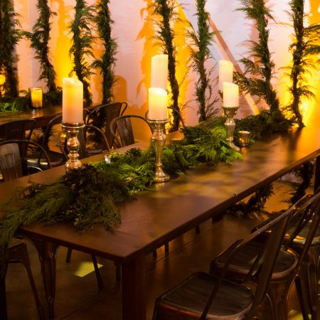 flou(-e)r_specialty_floral_events_holiday_decor_garland
