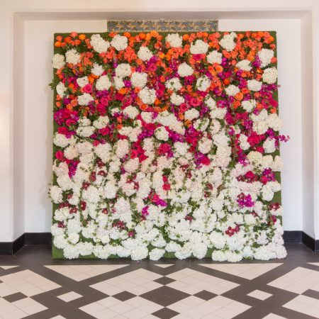 flou(-e)r_specialty_floral_events_wedding_flower_wall_Backdrop