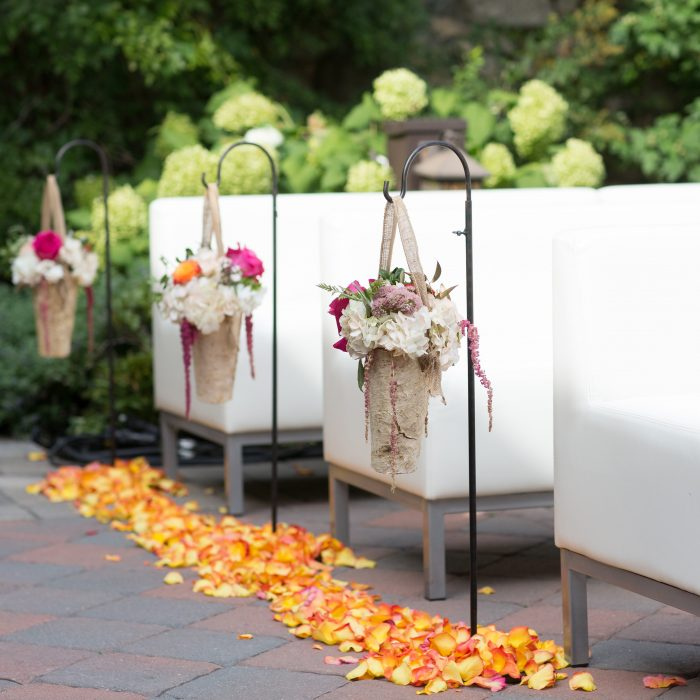 Flou(-e) r_Specialty_Floral_Events_Wedding_Ceremony_Flowers_Willowdale_Estate_2