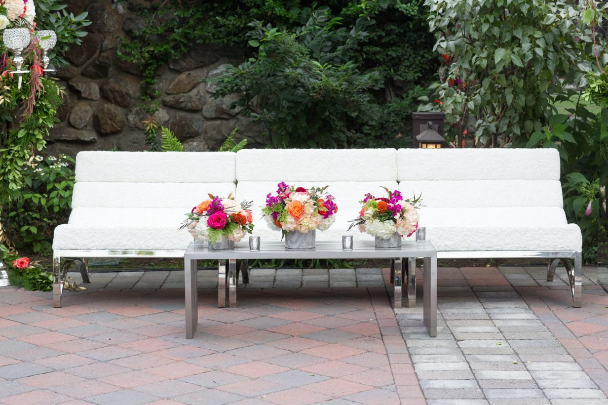 Flou(-e) r_Specialty_Floral_Events_Wedding_Cocktail_Reception_Flowers_Willowdale_Estate_2