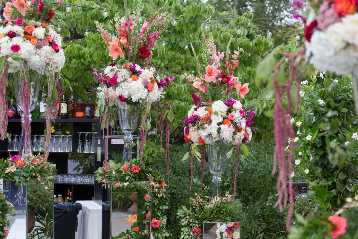 Flou(-e) r_Specialty_Floral_Events_Wedding_Cocktail_Reception_Flowers_Willowdale_Estate_4