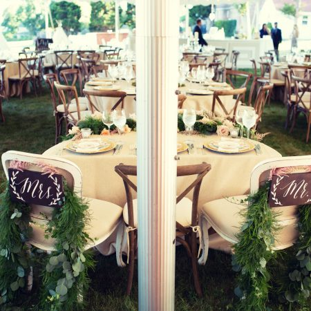 flou(-e)r_specialty_floral_events_chair_swags