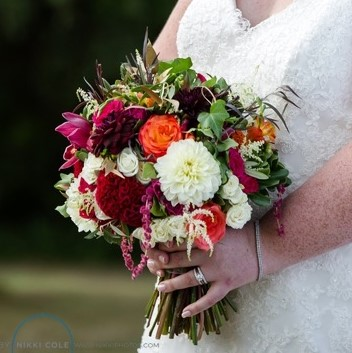 Flou(-e)r_Specialty_Floral_Events_Wedding_Flower_Bouquets_3
