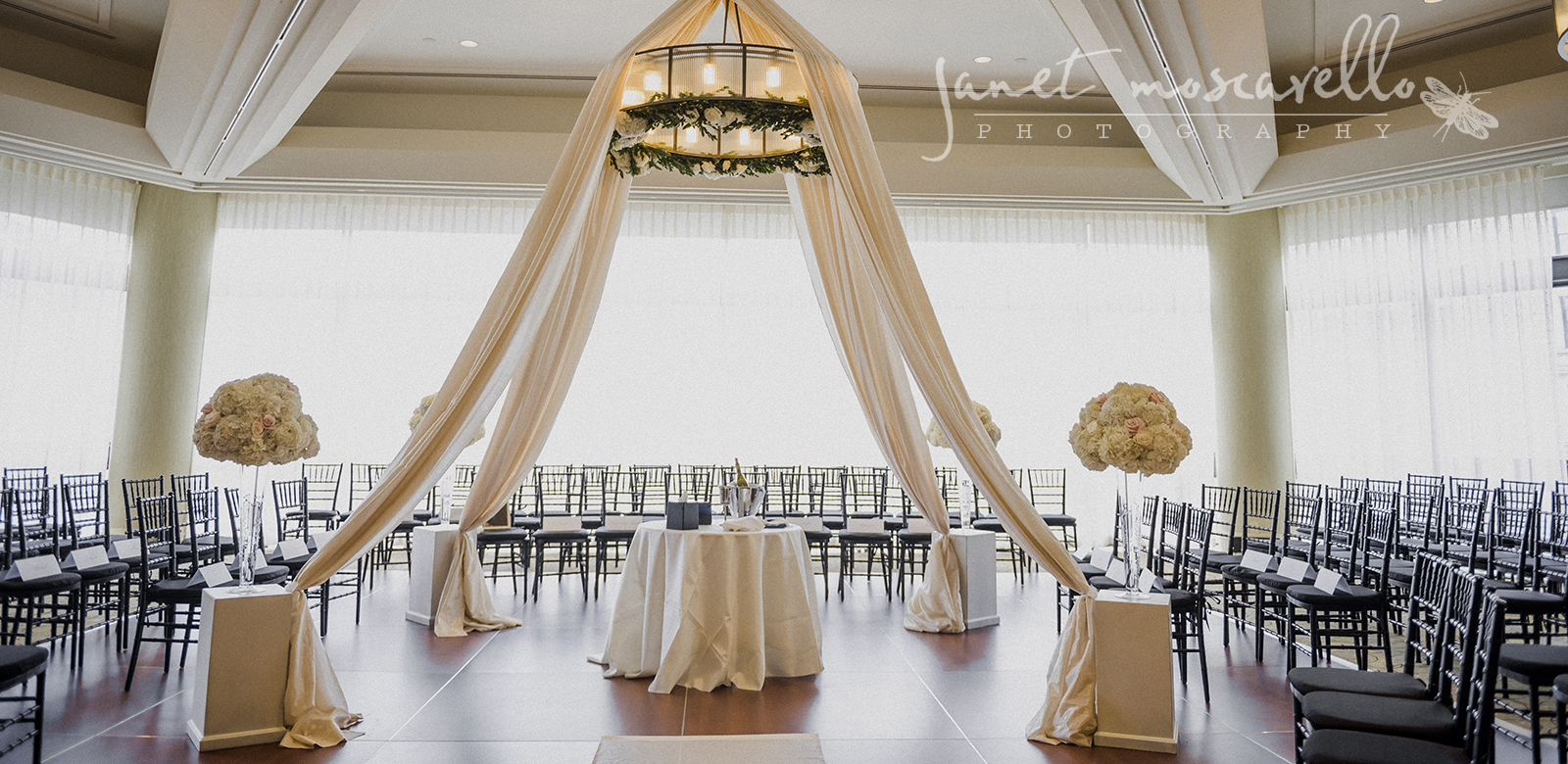 Flou(-e)r Wedding Chuppah - Janet Moscarello Photography