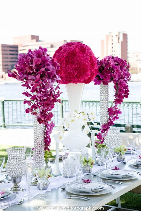 flou(-e)r Specialty Floral Events Modern Wedding Centerpiece Style Corinna Raznikov Photography