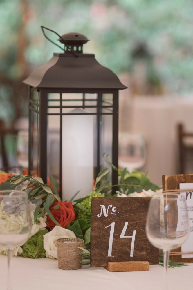 flou(-e)r Specialty Floral Events Rustic Centerpiece Style