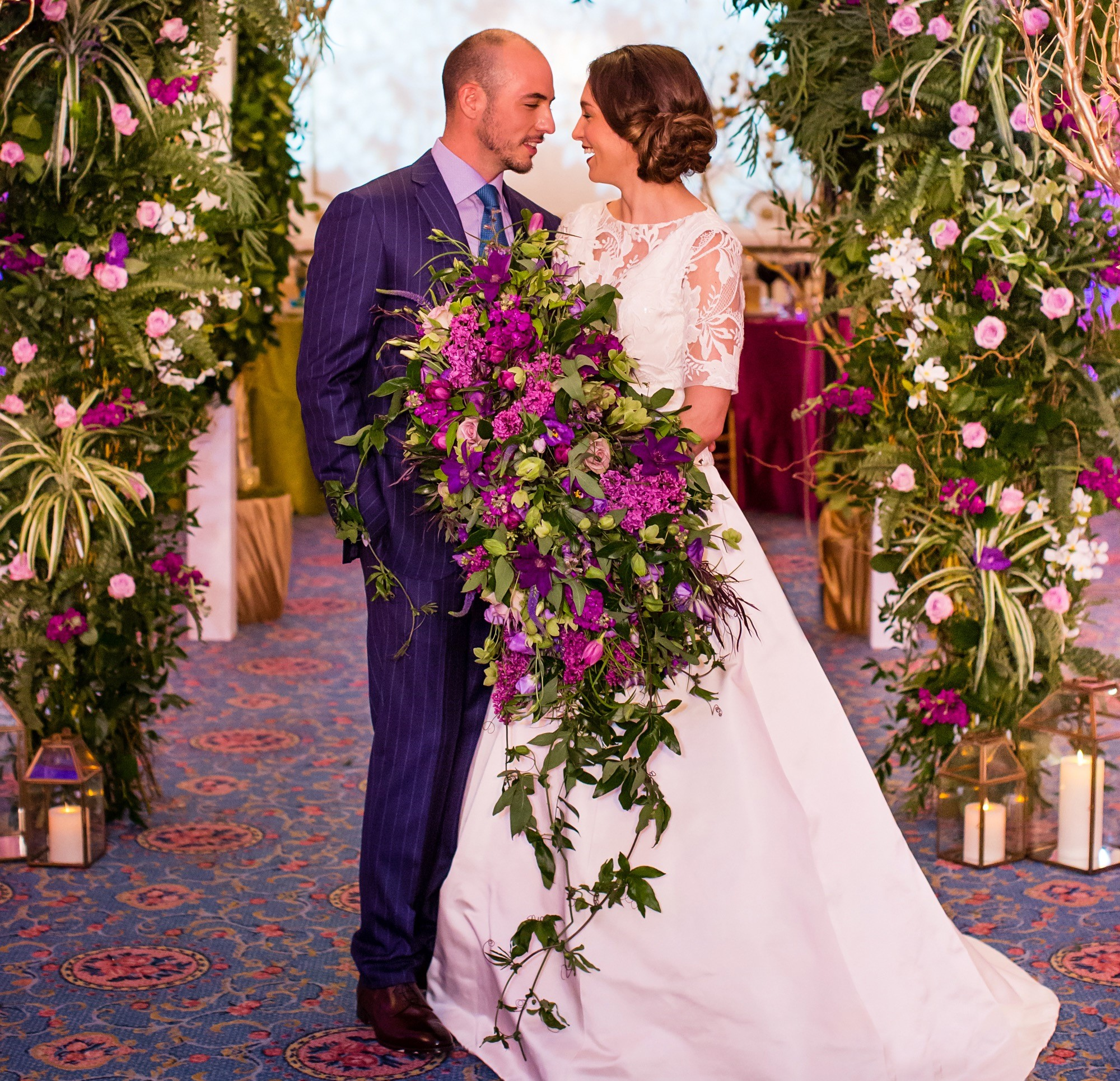 Wedding Trend Dramatically Oversized Wedding Bouquets Flou E R