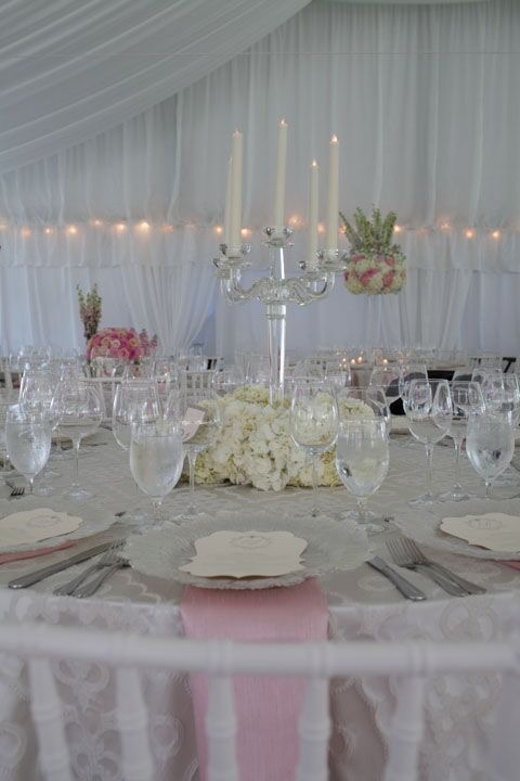 flou(-e)r_specialty_floral_events_silver_wedding_candelabras