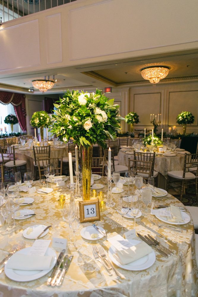 flou(-e)r_specialty_floral_events_taper_candles_wedding