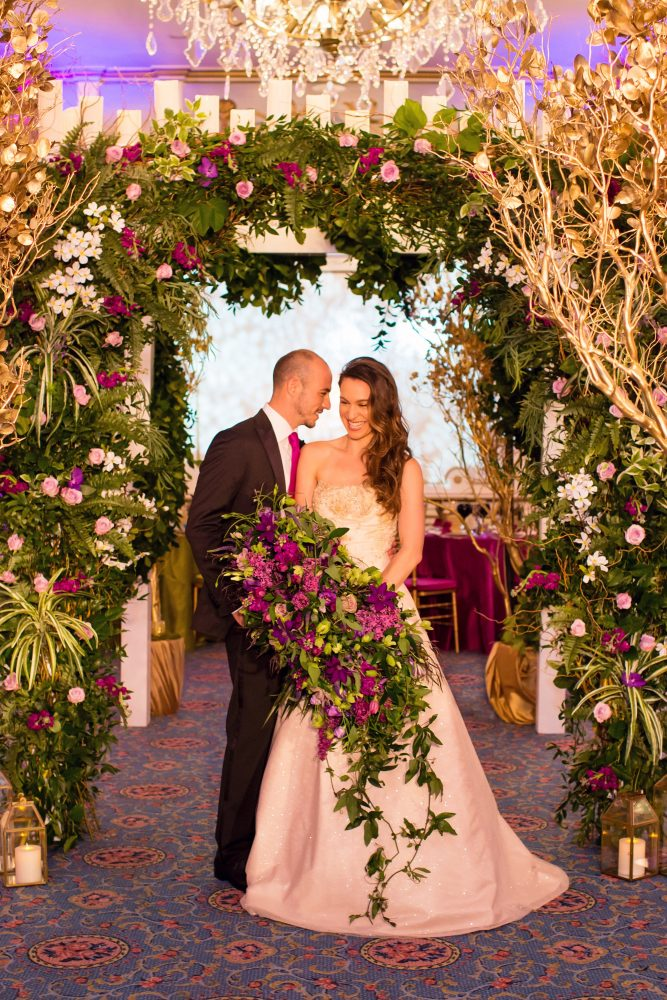 flou(-e)r_specialty_floral_events_wedding_arch_candles