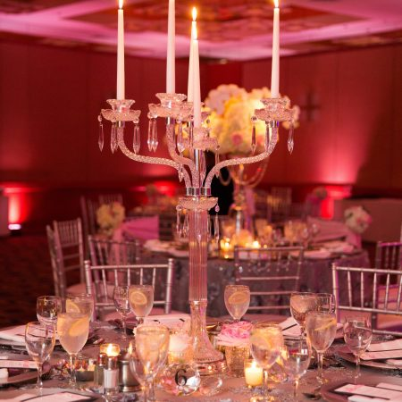 flou(-e)r_specialty_floral_events_wedding_candelabras_crystal