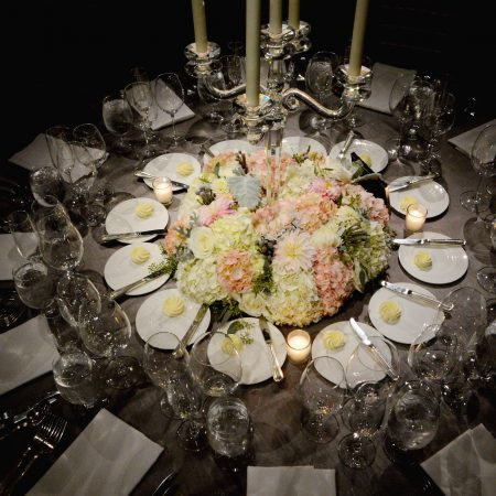 flou(-e)r_specialty_floral_events_wedding_candelabras_silver