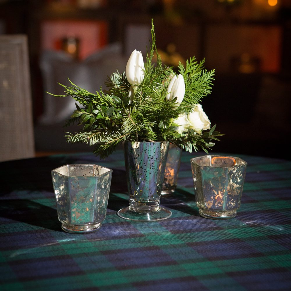 flou(-e)r_specialty_floral_events_holiday_decorating