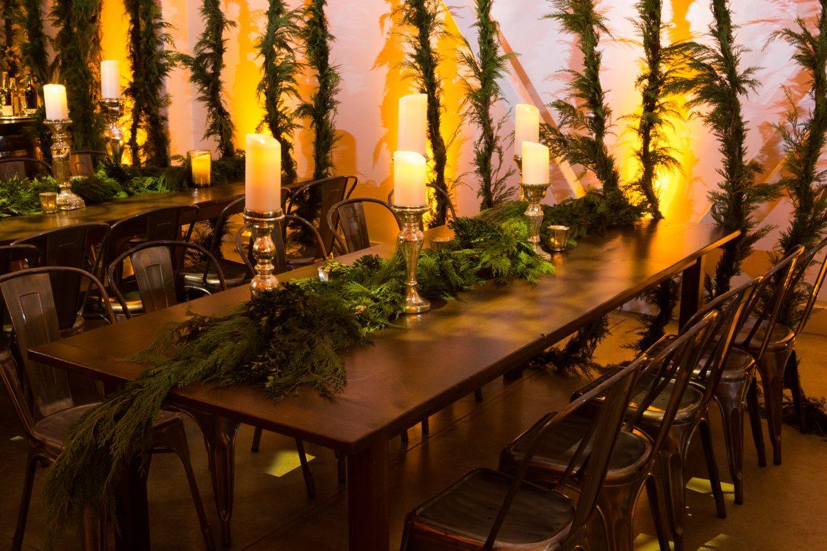 flou(-e)r_specialty_floral_events_holiday_decor_garland