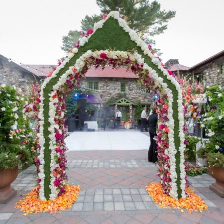 flou(-e)r_specialty_floral_events_wedding_floral_arch
