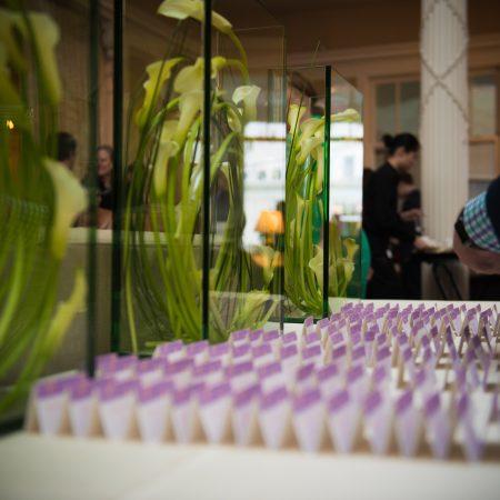 flou(-e)r_specialty_floral_events_wedding_flowers_modern_design