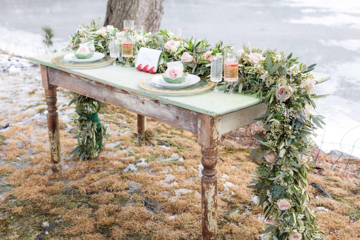 Wedding Table Flowers Garland