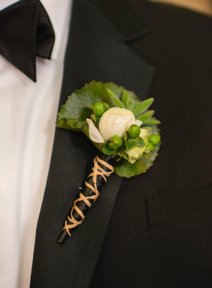 flour_specialty_floral_events_boston_wedding_flowers_boutonniere_style_modern_Hitched_Studios