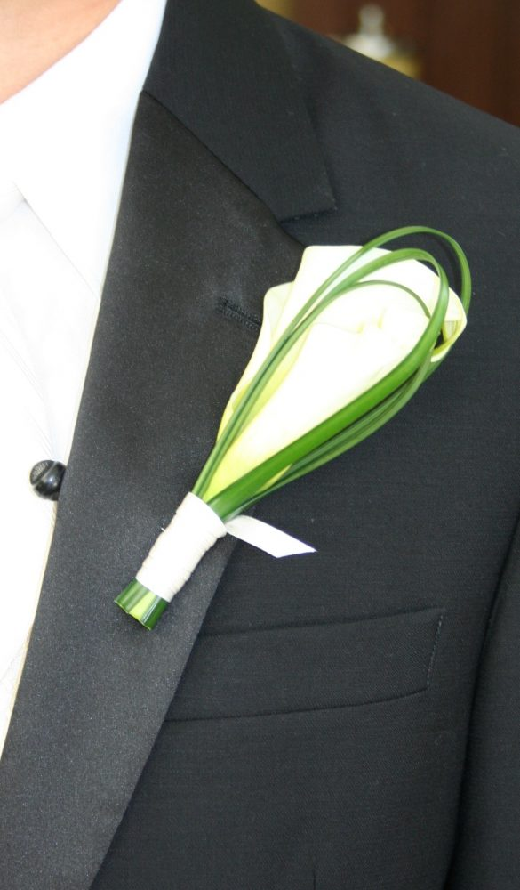 flour_specialty_floral_events_boston_wedding_flowers_boutonniere_style_modern