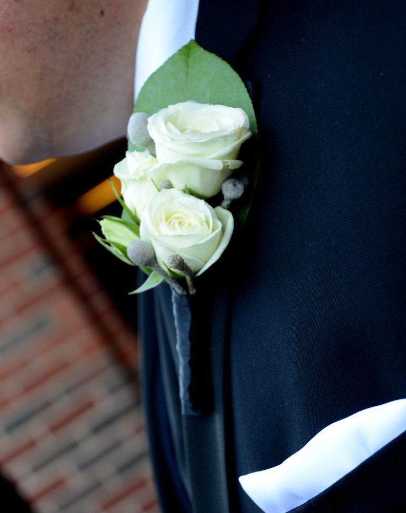 flour_specialty_floral_events_boston_wedding_flowers_boutonniere_style_traditional