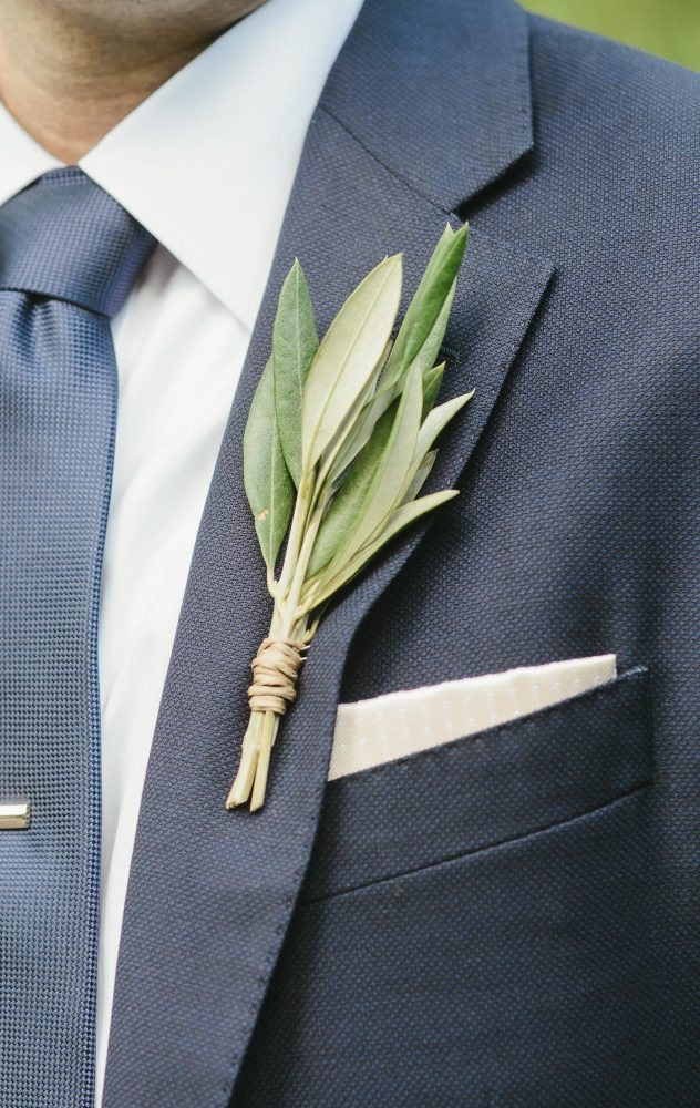 flour_specialty_floral_events_boston_wedding_flowers_boutonniere_style_unique_Servidone_Studios_Photography
