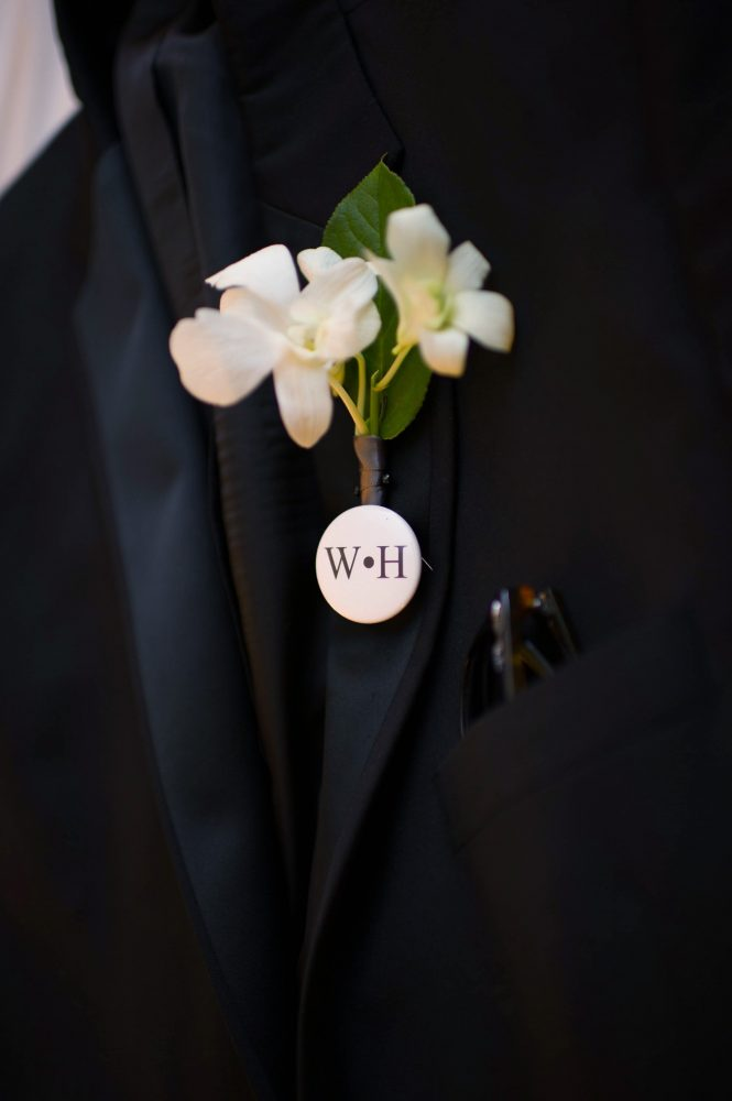 flour_specialty_floral_events_boston_wedding_flowers_boutonniere_style_unique_April K_Photography