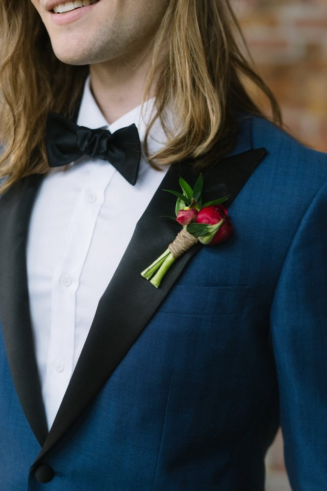 flour_specialty_floral_events_boston_wedding_flowers_boutonniere_style_woodsy_1_StudioNouveau