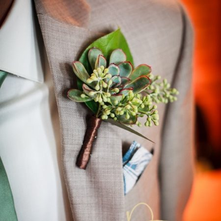 flour_specialty_floral_events_boston_wedding_flowers_boutonniere_style_woodsy_David_Tucker_Photography