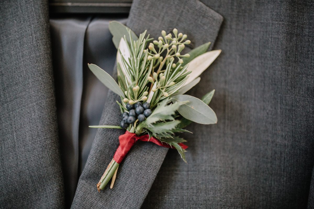 flour_specialty_floral_events_boston_wedding_flowers_boutonniere_style_woodsy