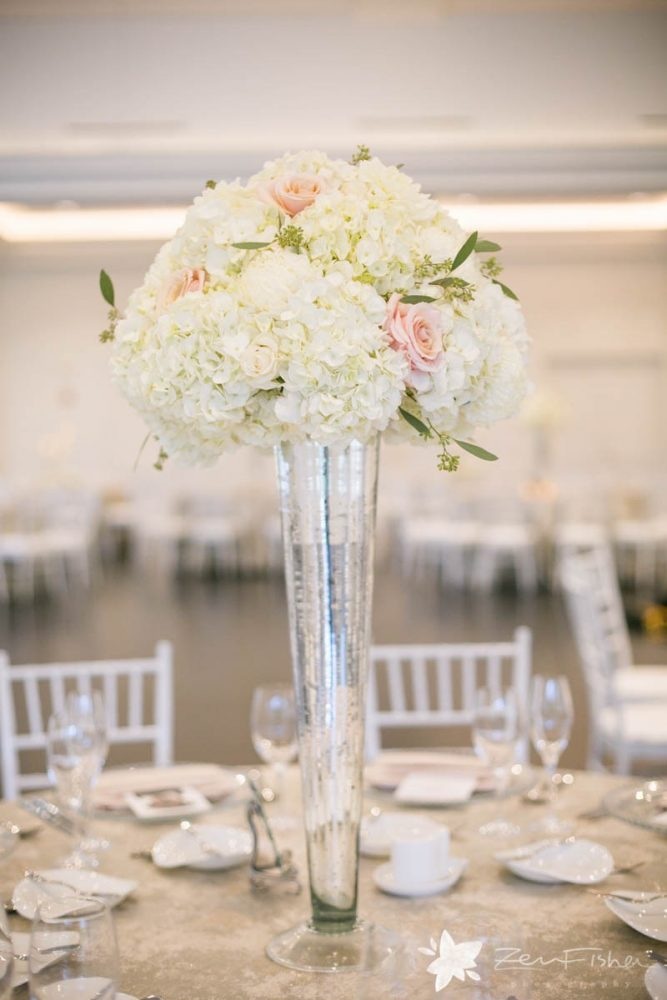 flou(-e)r specialty floral events summer wedding flower ideas crisp white